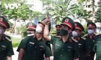 Đoàn công tác của Chính phủ, Bộ Quốc phòng kiểm tra, động viên lực lượng chống dịch tại Thành phố Hồ Chí Minh