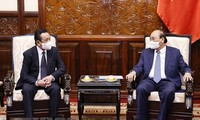 Chủ tịch nước Nguyễn Xuân Phúc tiếp Đại sứ Mông Cổ kết thúc nhiệm kỳ công tác tại Việt Nam