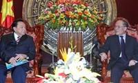 Ketua Majelis Nasional VN Nguyen Sinh Hung menerima Sekretaris Jenderal  AIPA