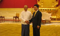 Menteri Luar Negeri VN Pham Binh Minh mengunjungi Myanmar