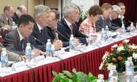 Menyosialisasikan kesempatan melakukan investasi di Vietnam terhadap badan usaha Belgia