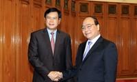 Delegasi Badan Penelitian Strategis Perkembangan Ekonomi Pusat Partai RR Laos berkunjung di Vietnam