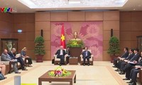 Ketua MN Nguyen Sinh Hung menerima Duta Besar, Kepala Perutusan Uni Eropa, Franz Jessen