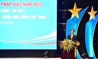 Hari Undang-Undang Vietnam memberikan sumbangan yang positif pada perkembangan sosial-ekonomi