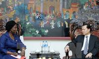 Deputi PM Vu Van Ninh menerima Gubernur Bank Dunia di Vietnam