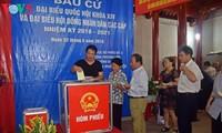 Suasana pemilu yang bergelora di kecamatan Phuong Lien, distrik  Dong Da, Ibukota Hanoi.