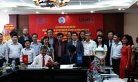 Menandatangani MoU antara ILO dan Persekutuan Koperasi Vietnam