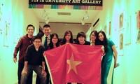 Tiga mahasiswa Vietnam menang dalam sayembara mengarang internasional