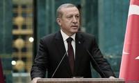 Parlemen Eropa menghentikan proses perundingan tentang  masuknya Turki ke dalam Uni Eropa