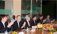 Rombongan ekonomi kawasan Flanders-Brussels mencari kesempatan kerjasama investasi di Vietnam
