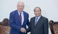 PM Vietnam, Nguyen Xuan Phuc menerima Profesor, Thomas Vallely dari Universitas Harvard, AS