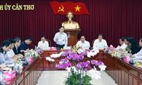 Deputi PM Vietnam, Vuong Dinh Hue melakukan kunjungan kerja di kota Can Tho
