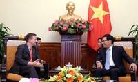 Kerjasama ekonomi terus merupakan pilar prioritas dalam hubungan bilateral Vietnam-Perancis