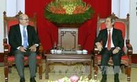 Kepala Departemen Ekonomi KS PKV Nguyen Van Binh menerima delegasi pakar IMF