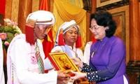 Wapres Vietnam, Dang Thi Ngoc Thinh menerima delegasi pemuka agama dan orang-orang yang berwibawa di propinsi Binh Thuan