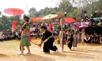 Festival Bunga yang diselenggarakan warga etnis minoritas Cong, provinsi Dien Bien