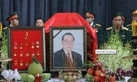 Media masa internasional memuji mantan PM Vietnam, Pham Van Khai