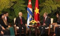 Tonggak yang membawa hubungan Vietnam dengan Perancis dan Kuba naik ke satu ketinggian baru.