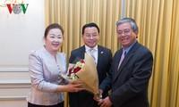 Dubes Vietnam di AS, Pham Quang Vinh mengucapkan selamat Hari Raya Tet kepada Kedubes Laos