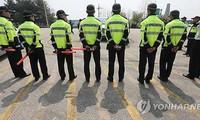 Polisi Republik Korea mencegah penyebaran surat selebaran anti Pyong Yang
