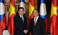 PM Nguyen Xuan Phuc menerima PM Laos, Thongloun Sisoulith