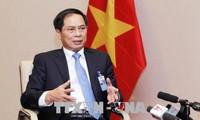 Deputi Menlu  Vietnam, Bui Thanh Son : PM Nguyen Xuan Phuc memberikan ke Davos pesan tentang Vietnam yang inovatif, kreatif dan berkonektivitas secara intensif