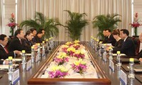 Vietnam, China seek to maintain high-level contacts and visits