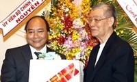 Deputy PM Phuc pays Xmas visit to HCM City
