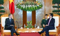 Prime Minister encourages Vietnam-New Zealand defence ties