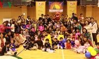 Vietnamese students celebrate Tet abroad