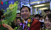 Vietnam team with historic gold medal welcomed home