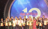 Journalists honour business people
