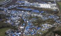 Migrants continue destabilizing France