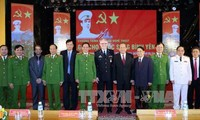 """Deputy Prime Minister Truong Hoa Binh attends """"Securing a peaceful life"""" program"""