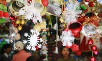 Hanoi streets lit up as merry Christmas comes