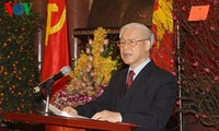 Party leader: Vietnam advances to seize new opportunities