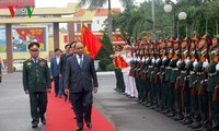 Prime Minister Nguyen Xuan Phuc visits Military Zone 5 High Command