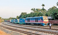 Guangxi-Yen Vien trans-container goods train to begin operation soon