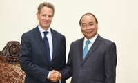 Prime Minister praises foreign investors' role