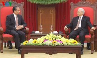 Party leader: Vietnam works to deepen relations with China