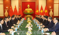 Vietnam, China sign and exchange 19 cooperative documents