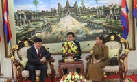 Cambodia applauds VOV's assistance in building transmitting stations
