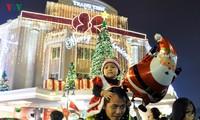 Christmas celebrations in Hanoi