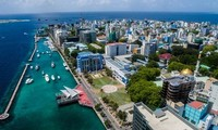 Maldives' tourism suffers from political instability
