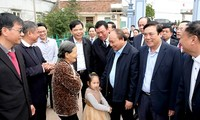 Prime Minister encourages farm production in Nam Dinh
