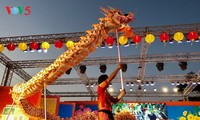 Spring festival opens on 15th night of first lunar month