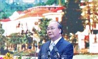 PM stresses on need to develop international trade center in Lao Cai