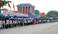 """Live TV program """"Song of unity"""" marks 50 years of President Ho Chi Minh's testament"""