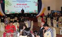 Tet get-together held for 200 overseas Vietnamese in Da Nang