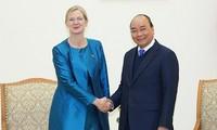 PM receives ambassadors from Sweden, France